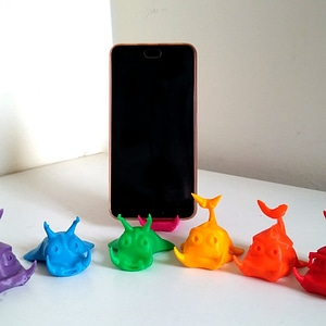 Cute Fishes Phone Stand 3D Model
