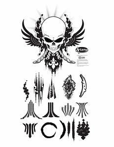 Skull T-shirt Design met decoratieve elementen vector